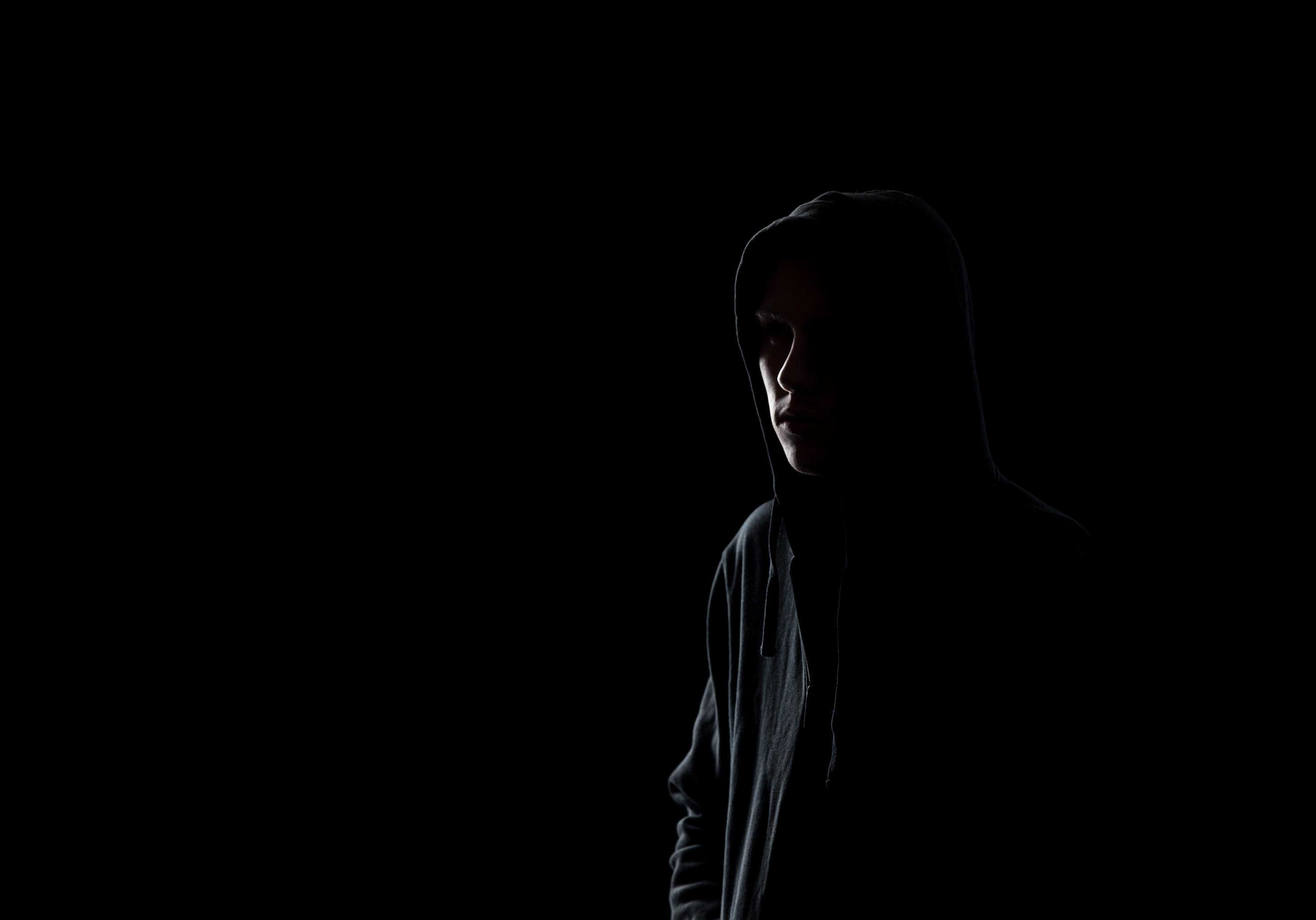 Intruder in the darkness